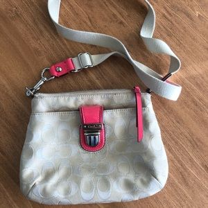 *LIKE NEW* COACH HOT PINK CROSSBODY PURSE